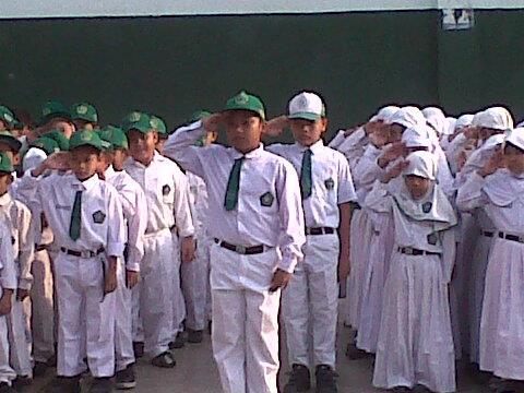 disiplin diterapkan sejak sekolah dasar